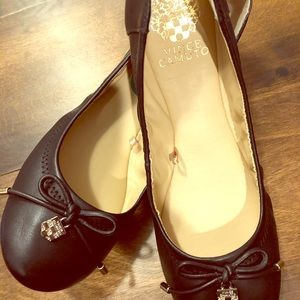 Vince Camuto brand new flats size 7,5